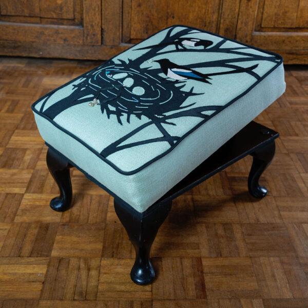 magpie footstool